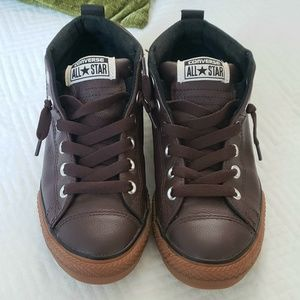 Converse- Brown leather low top sneakers
